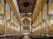 Interior do Duomo de Amalfi, Costa Amalfitana, Itália