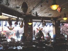 Interior de café em Bariloche, Argentina