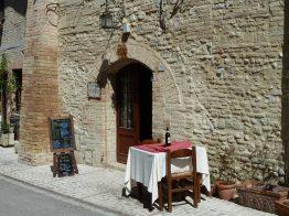 Rua de Monterggioni, Toscana, Itália