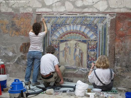 Restauracao em Herculano, Itália
