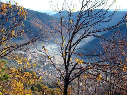 Vale na Serra da Estrela, cidade de Manteigas