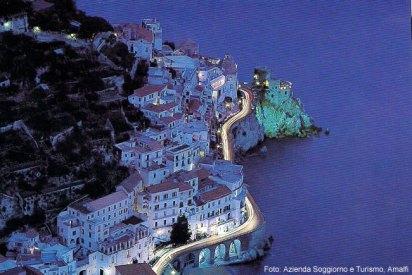 Amalfi à noite, Itália