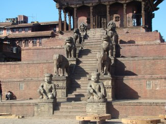 Entrada de templo hinduísta em Bhaktapur