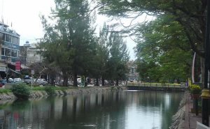 Canal em Chiang Mai, Tailândia
