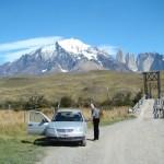 De carro em Torres del Paine, no Chile