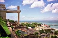 Elevador Lacerda, Salvador, liga a cidade Alta à Baixa
