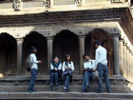 Estudantes em Patan, Nepal