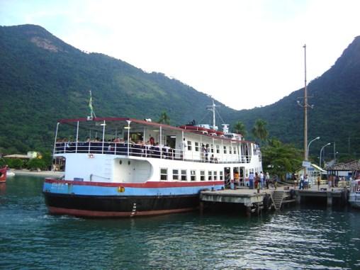 Ferry que liga Angra dos Reis a Ilha Grand
