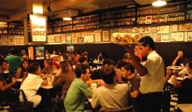 Interior do bar Bar Flilial, Vila Madalena, São Paulo