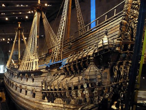 Navio Vasa, que afundou no porto de Estocolo e foi recuperado