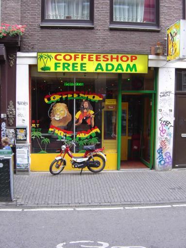 Os famosos cofee-shopp de Amsterdã, onde o consumo de maconha e hashishe é livre