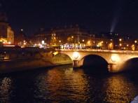 Quartier Latin à noite, vitso da île de la Cité