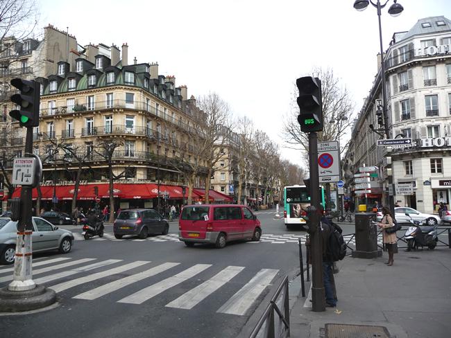Hotéis no Quartier Latin, esquina dos bds ST-michel e Sta-Germain