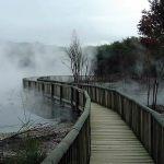 Rotorua, nuvens vulcânias no meio da cidade