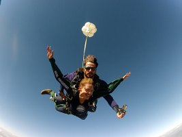 Salto duplo de paraquedas em Boituva SP