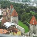 Torres e muralhas medievais em Tallinn, Estônia