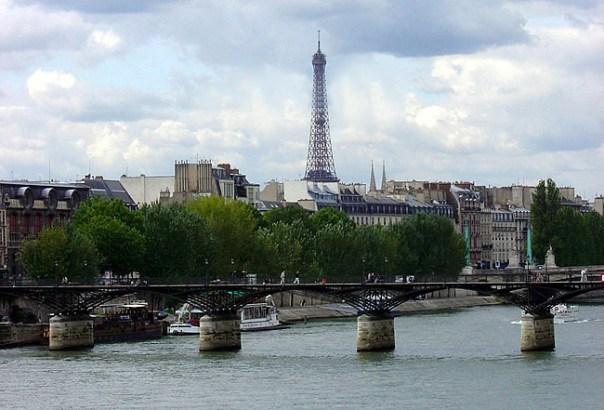 Tour Eiffel vista do Sena