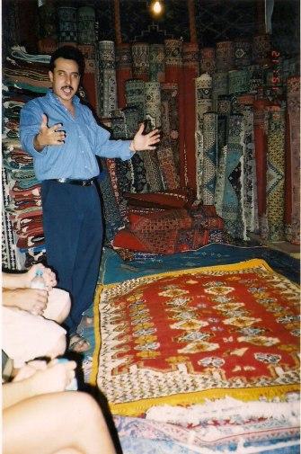 Vendedor de tapetes, foto de Melina Castro