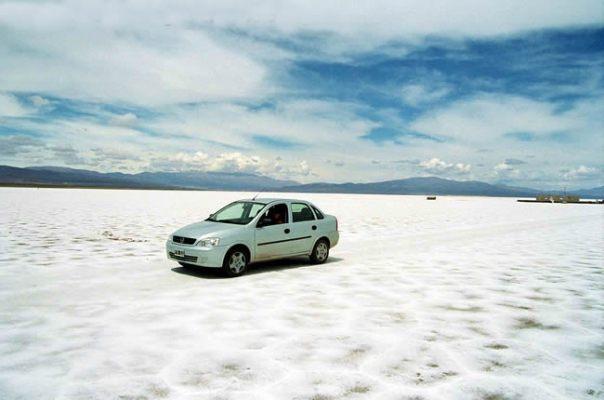 Carro na Salina Grande, Argentina