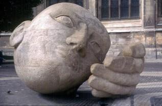 Escultura junto da igreja de Sait-Eustache, Les Halles-Châtelet, Paris