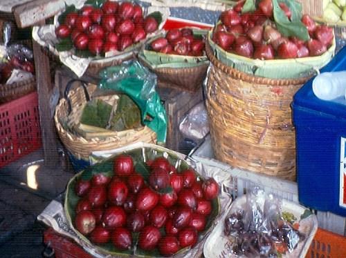 Frutas vendidas na rua