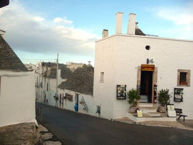 Entrada da zona dos trulli em Alberobello