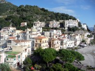 Casario nas encostas de Minori, Costa Amalfitana