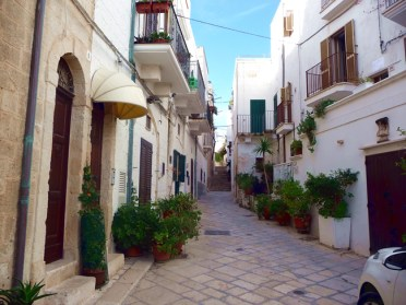 Polignano Al Mare, rua na cidade antiga