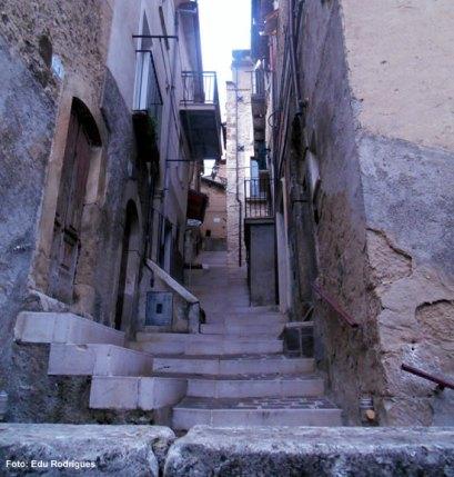 scanno-ruas-formadas-por-escadarias