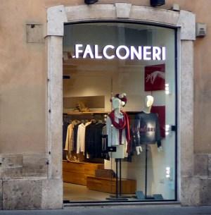 Falconeri, Roma
