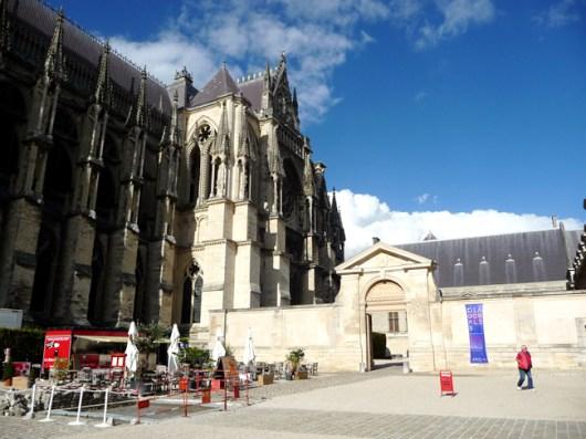 Lateral da Catedral de Reims