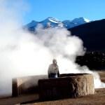 No meio das fumarolsa de El Tatio, Atacama, Chile