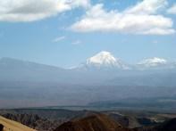 Vulcões, vistos do Valle de la Muerte, Atacama, Chile