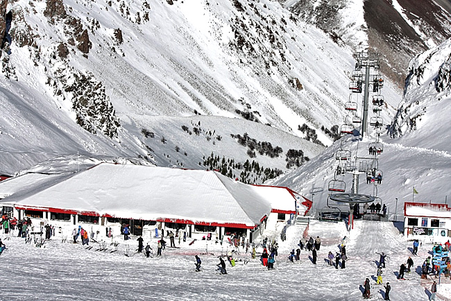 Esquiadores _ La Hoya, Chubut, Argentina. _ Jorge Gobbi, CCBY