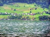 Aldeia junto do lago de Lucerna