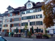 Estranha igreja em Zurich, sem cruz nem altar