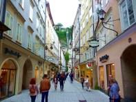 Rua no centro histórico de Salzburgo