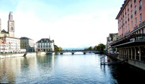 Zurich, cortada pelo rio Limmat