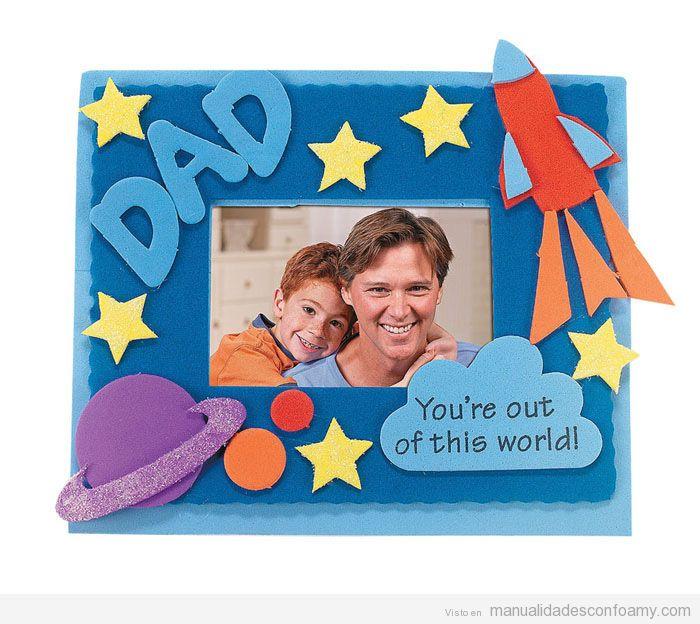 Manualidad en goma eva para el día del padre: marco de fotos ...
