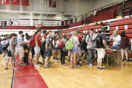 Distribution day was answered by throngs of students wanting their yearbook. Photo by Mai Nguyen.