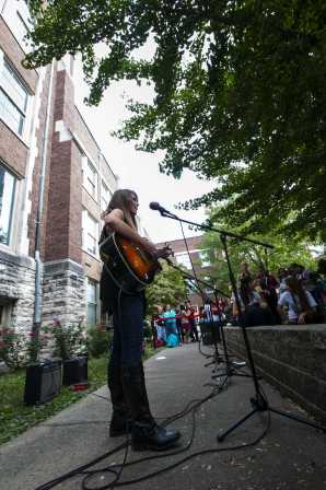 Acoustics and vocals soon fill the courtyard to an eager crowd. Photo by Jack Steele Mattingly