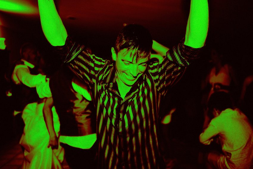 voda-festa-baile-virado-monocromo-diversion