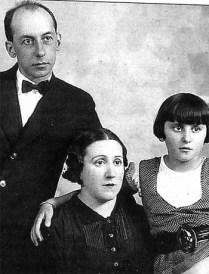 Emili Darder, su mujer Micaela Rovira y su hija Emilia.