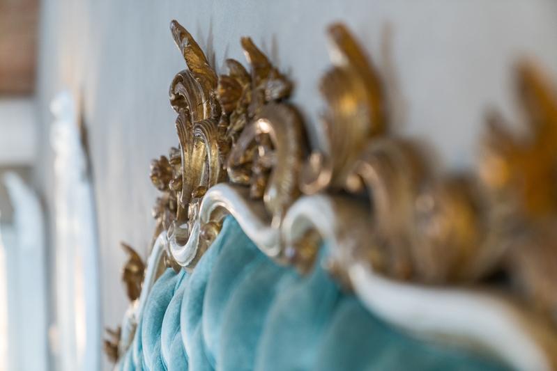 Letto di una stanza della Regia Rosetta Royal Rooms