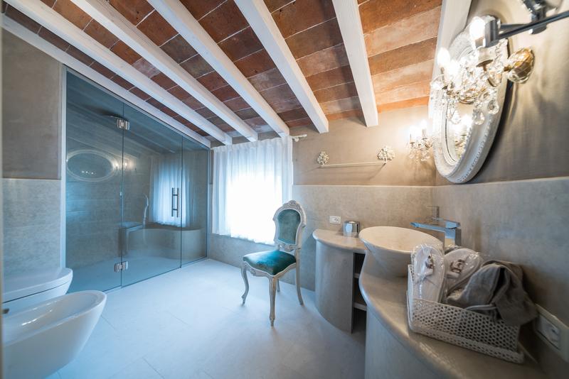 bagno della Suite Elisabeth della Regia Rosetta Royal Rooms