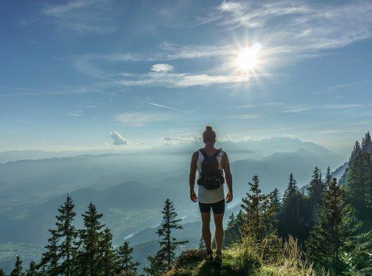 hiker, standing, woman-918473.jpg