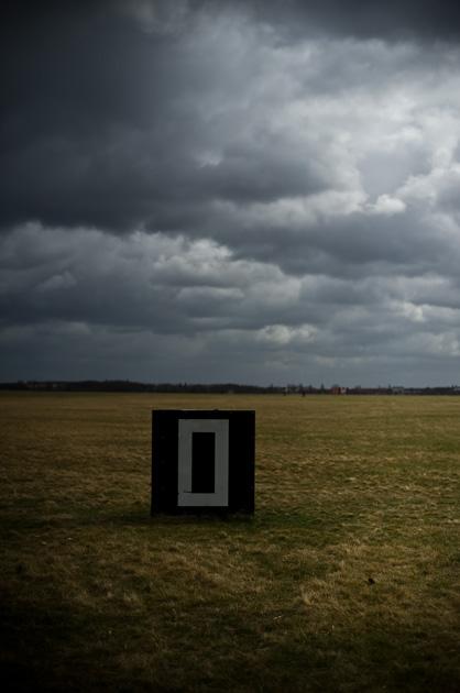 Alte Flughafensignalisation auf Berlin Tempelhof