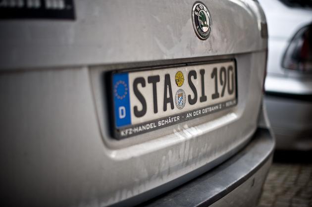 Stasi – Auto-Nummernschild