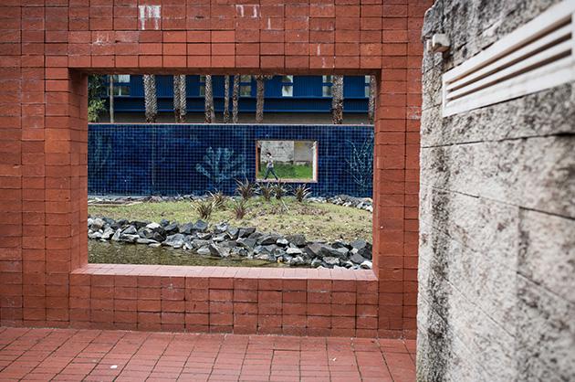 Architektonisches Detail in der Nähe des Ozeaneums in Lissabon