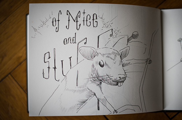 Handskizze von einer Maus vor einem Schriftzug